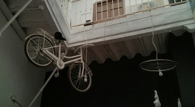 Photo of Art Gallery Un Gato en Bicicleta at Calle Regina, 8, Seville 41003, Spain