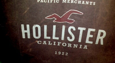 Photo of Clothing Store Hollister Co. at 7427 Dadeland Mall, Miami, FL 33156, United States