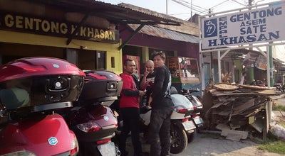 Photo of Arcade RM. Empal Gentong H. Khasan Jamblang at Jl. Raya Stasiun Jamblang, Cirebon, Indonesia