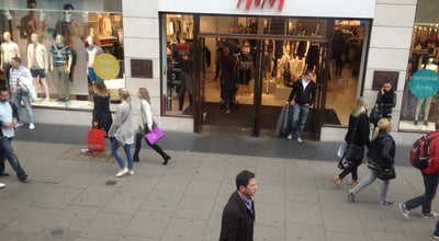 Photo of Clothing Store H&M at 360-366 Oxford St, London W1N 9HA, United Kingdom