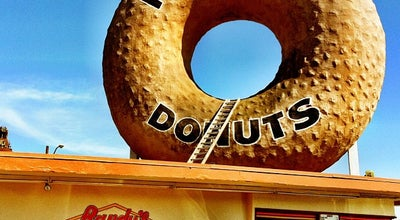 Photo of American Restaurant Randy's Donuts at 805 W Manchester Blvd, Inglewood, CA 90301, United States