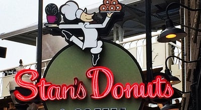 Photo of American Restaurant Stan's Donuts and Coffee at 1560 N Damen Ave, Chicago, IL 60622, United States