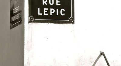 Photo of Road Rue Lepic at Rue Lepic, Paris 75018, France