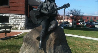 Photo of Monument / Landmark Dolly Parton Statue at 125 Court Avenue, Sevierville, TN 37862, United States
