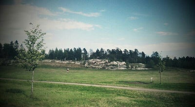 Photo of Disc Golf Kivikon frisbeegolfrata at Savikiekontie 8, Helsinki 00940, Finland