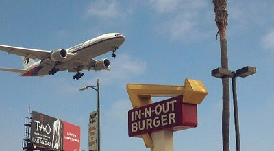 Photo of Fast Food Restaurant In N Out Burger at 9149 S Sepulveda Blvd, Los Angeles, CA 90045, United States
