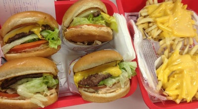 Photo of Fast Food Restaurant In N Out Burger at 1261 S. Lone Hill, Glendora, CA 91740, United States