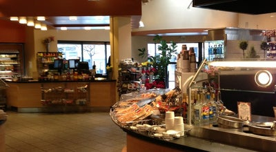 Photo of Grocery Store Ralph's Grocery & Deli at 2035 4th Ave, Seattle, WA 98121, United States
