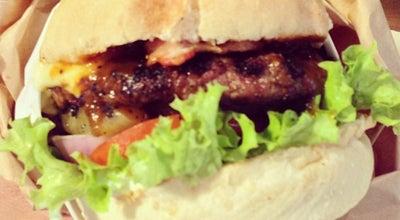 Photo of American Restaurant Bergs Gourmet Burgers at 137 Amoy Street, #01-01, Singapore 049965, Singapore
