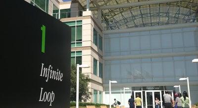 Photo of Monument / Landmark Apple Inc. at 1 Infinite Loop, Cupertino, CA 95014, United States