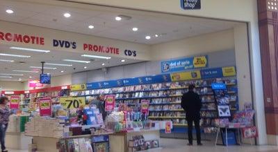 Photo of Bookstore Boekenvoordeel at Kapelstraat 100, Sint-Niklaas 9100, Belgium