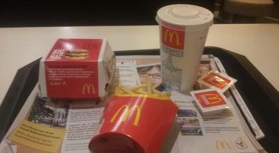Photo of Fast Food Restaurant McDonald's at Piusplein 75, Tilburg 5038 WP, Netherlands
