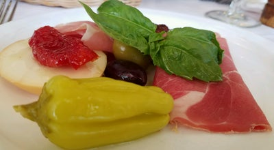 Photo of Italian Restaurant Da Tommaso at 903 8th Ave, New York City, NY 10019, United States
