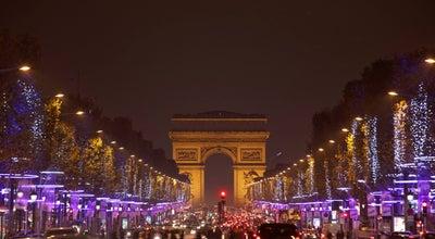 Photo of Road Avenue des Champs-Élysées at Avenue Des Champs-élysées, Paris 75008, France