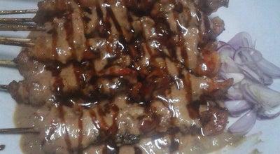 Photo of BBQ Joint Sate Ayam Ponorogo Pak Parjo at Samping Bank Danamon, Magelang, Indonesia
