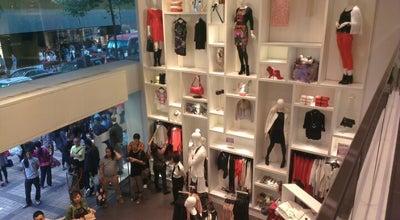 Photo of Clothing Store H&M at 廣東道30號, Hong Kong, Hong Kong