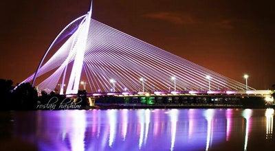 Photo of Bridge Jambatan Seri Wawasan at Persiaran Barat, Putrajaya 62675, Malaysia