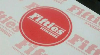 Photo of American Restaurant Fifties Bar & Burger at Avenida Tiradentes 670, Sao Joao del Rei 36307-348, Brazil