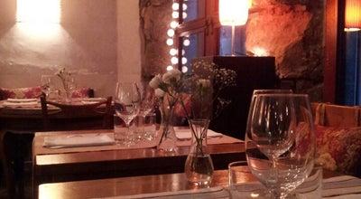 Photo of Mediterranean Restaurant El Salon at C. Hostal D'en Sol, 6, Barcelona 08002, Spain