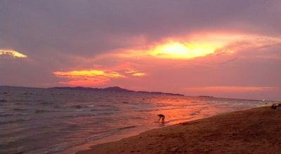 Photo of Beach หาดดงตาล (Dongtan Beach) at Jomtiensainueng Rd, Jomtien, Pattaya 20150, Thailand