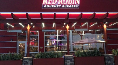 Photo of American Restaurant Red Robin Gourmet Burgers at 1370 Galleria At Tyler, Riverside, CA 92503, United States