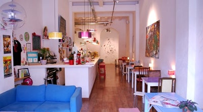 Photo of Cafe Cosmo at C. D'enric Granados, 3, Barcelona 08007, Spain