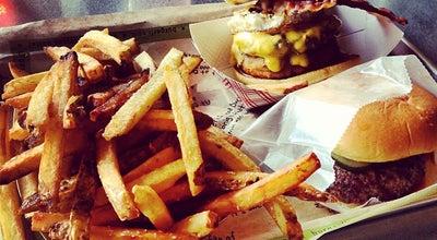 Photo of American Restaurant BurgerFi at 1608 Village Market Blvd Se, Leesburg, VA 20175, United States