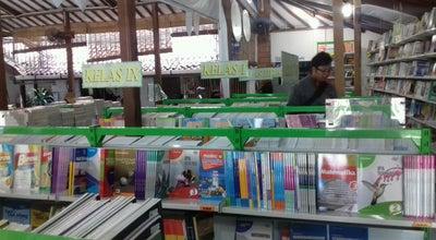 Photo of Bookstore Toko Buku Togamas at Jalan Suroto, Kotabaru, Yogyakarta, Indonesia