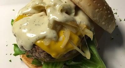 Photo of American Restaurant Lifebox Burger Gourmet at Avenida R 11 N. 1056, Goiania 74125-100, Brazil