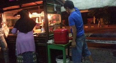 Photo of BBQ Joint Sate Ayam & Kambing Asli Madura Pak Umar at Timur Pasar Sleko, Madiun, Indonesia