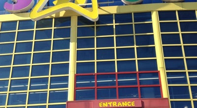 Photo of Toy / Game Store Toys R Us at 30-02 Whitestone Expy, Flushing, NY 11354, United States