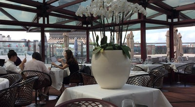 Photo of French Restaurant Les Ombres at 27 Quai Branly, Paris 75007, France