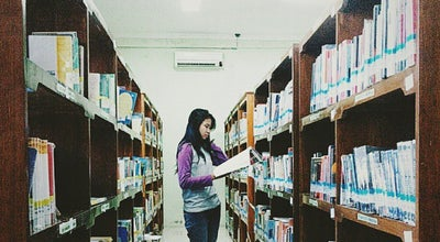 Photo of Library Perpusda at Jl. Jaksa Agung R Suprapto, Sidoarjo, Indonesia