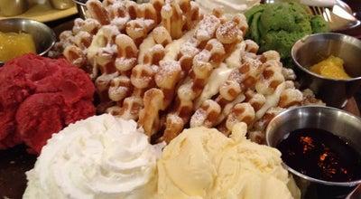 Photo of Breakfast Spot Butterfinger Pancakes at 서초구 강남대로61길 13, 서울특별시 137-856, South Korea