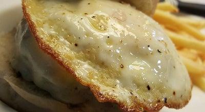 Photo of Restaurant Uau Gourmet Burger at Rua Francisco Glicerio, 477, Loja 6, Sao Jose Do Rio Pardo 13720-000, Brazil