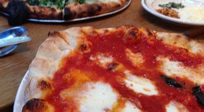 Photo of Italian Restaurant Pizzeria Delfina at 651 Emerson St, Palo Alto, CA 94301, United States
