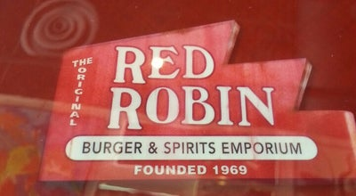 Photo of American Restaurant Red Robin Gourmet Burgers at 314 W. Washington St., East Peoria, IL 61611, United States