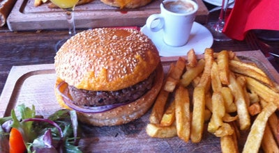 Photo of French Restaurant La Penderie Restaurant at 17 Rue Etienne Marcel, Paris 75001, France