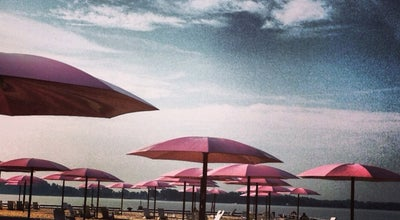 Photo of Beach Canada's Sugar Beach at 25 Dockside Dr, Toronto M5A 0B5, Canada