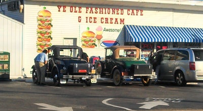 Photo of American Restaurant Ye Ole Fashioned Ice Cream & Sandwich Cafe at 474 Savannah Hwy, Charleston, SC 29407, United States