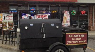 Photo of American Restaurant Bigg's BBQ at 2429 Iowa St, Lawrence, KS 66046, United States