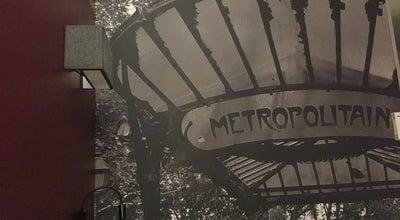 Photo of Hotel Comfort Hotel Median Paris Congres at 8 Boulevard De Douaumont, Clichy 92110, France