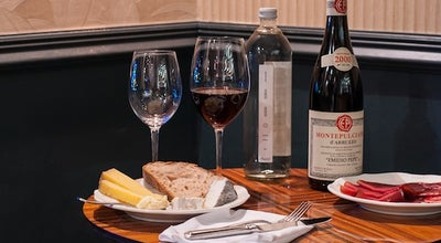 Photo of French Restaurant Compagnie des Vins Surnaturels Seven Dials at 8-10 Neal's Yard, London WC2H 9DP, United Kingdom