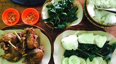 Photo of BBQ Joint Bebek Goreng Haji Slamet at Jalan Diponegoro, Magelang, Indonesia