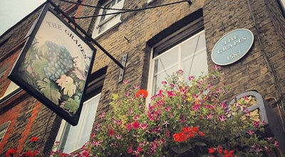 Photo of Bar The Grapes at 76 Narrow Street, London E14 8BP, United Kingdom