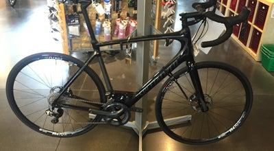 Photo of Bike Shop Gregg's Bellevue Cycles at 105 Bellevue Way Ne, Bellevue, WA 98004, United States