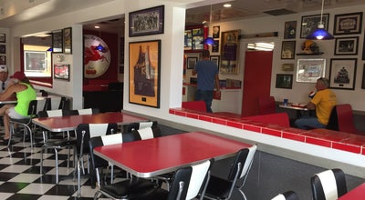 Photo of American Restaurant Dusty's In-N-Out at 1427 N Wenatchee Ave, Wenatchee, WA 98801, United States