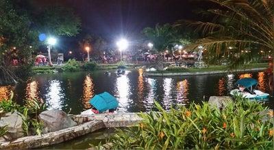Photo of Lake Lago Parque Forestal at Santiago de Guayaquil, Ecuador