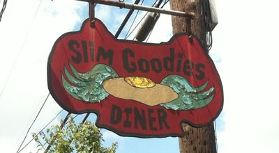 Photo of American Restaurant Slim Goodies Diner at 3322 Magazine St, New Orleans, LA 70115, United States