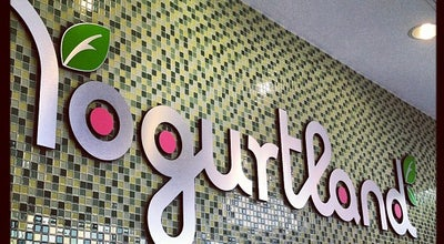 Photo of Fast Food Restaurant Yogurtland Miracle Mile at 310 S La Brea Ave Ste A, Los Angeles, CA 90036, United States